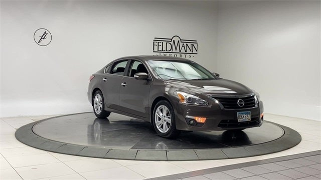 Used 2015 Nissan Altima SV with VIN 1N4AL3AP1FC436412 for sale in Bloomington, Minnesota